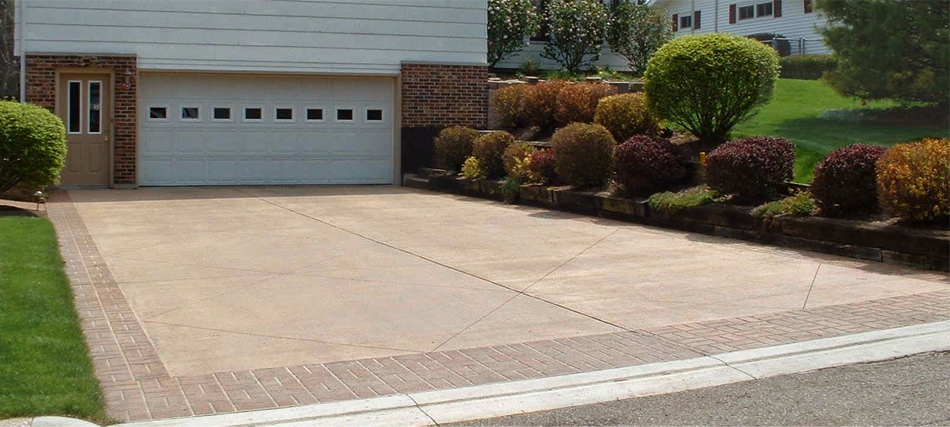 Driveway made of concrete with integral color.